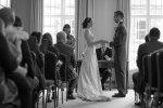 Heirat  in einem anderen Land wäre nicht schlecht!